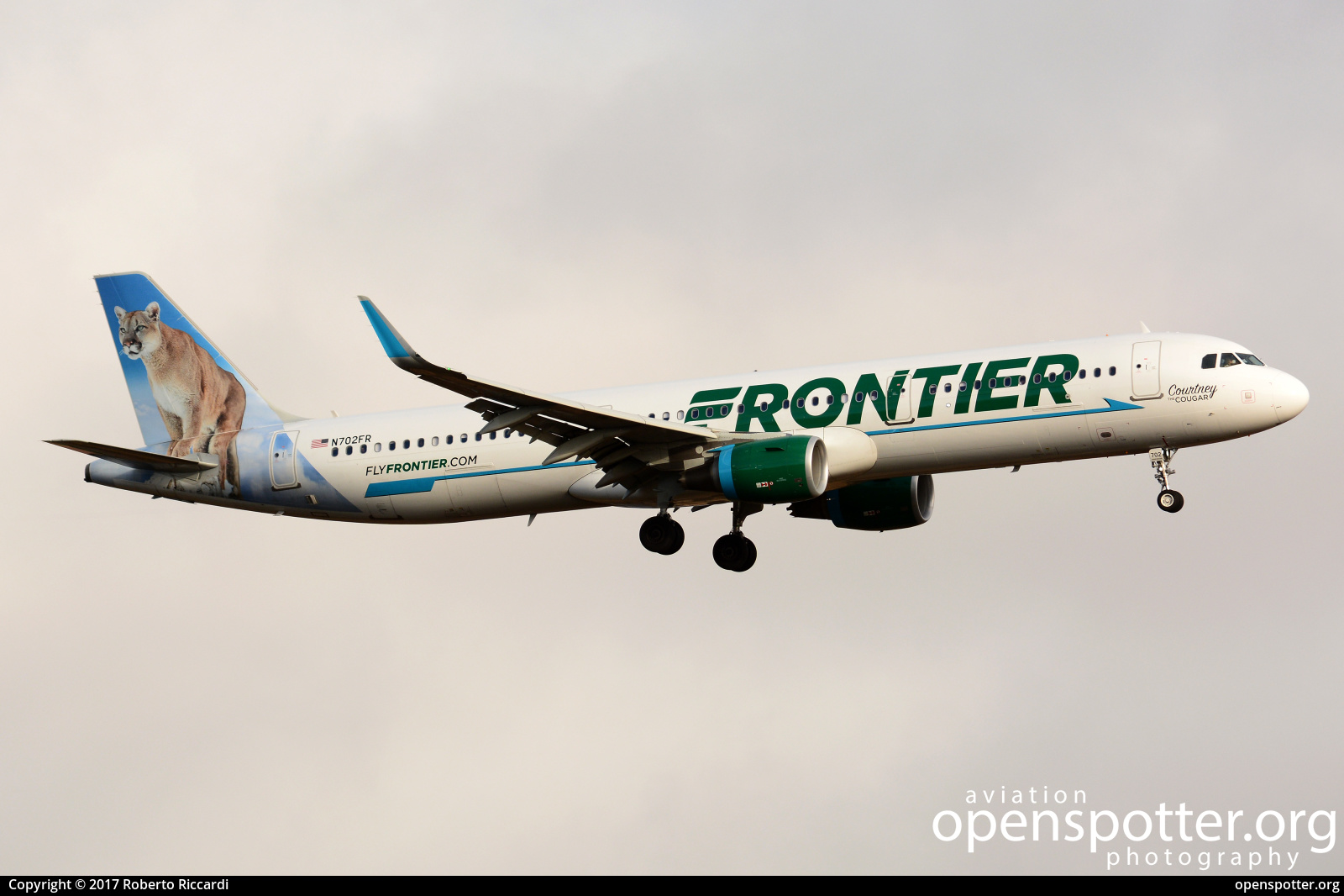 N702FR - Frontier Airlines Airbus A321-211(WL) at Seattle-Tacoma International Airport (SEA/KSEA) taken by Roberto Riccardi | openspotter.org | ID: 51515