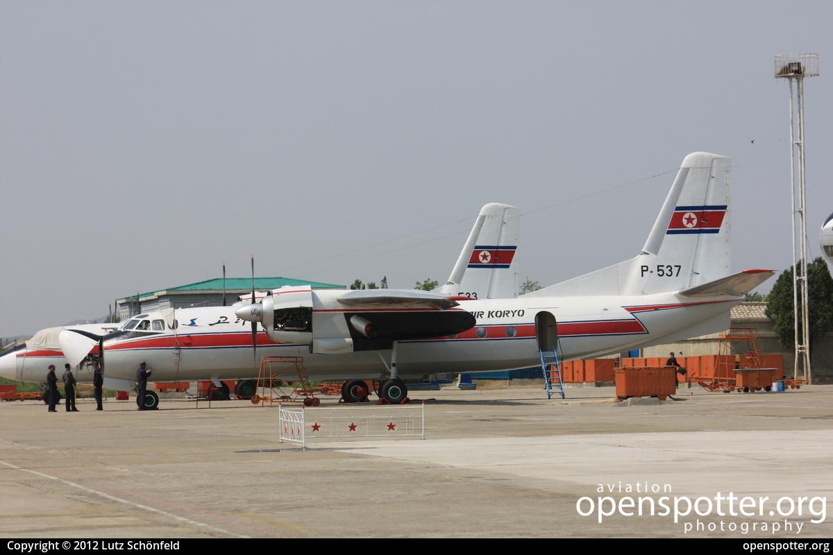 P 537 Air Koryo Js Kor Antonov An 24b At Sunan International