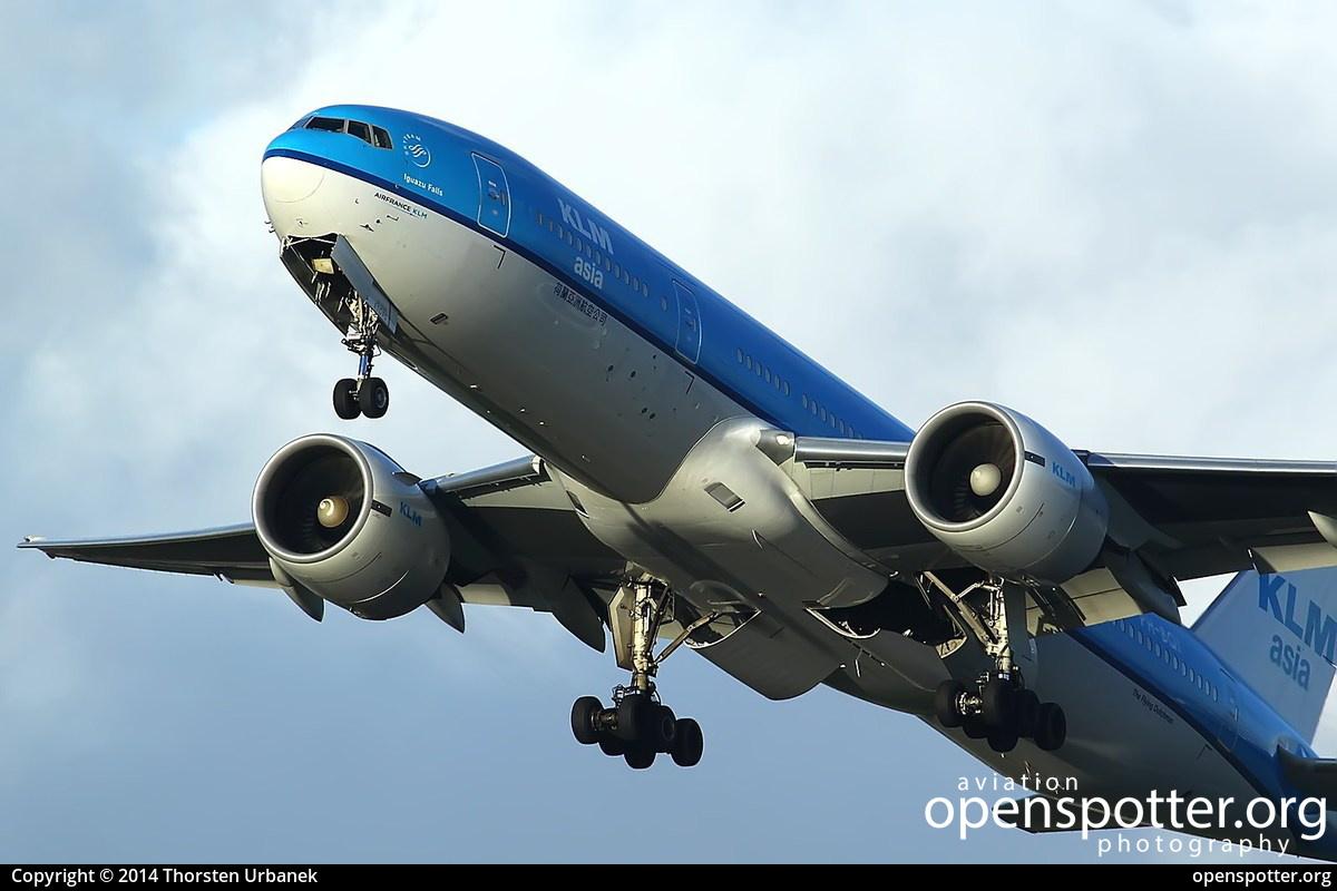 PH-BQI - KLM Royal Dutch Airlines Boeing 777-206(ER) at Schiphol Airport (AMS/EHAM) taken by Thorsten Urbanek   openspotter.org   ID: 13607